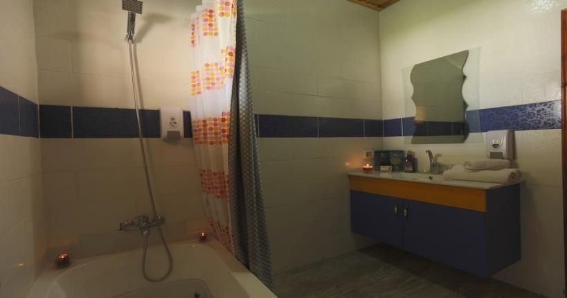 שירותים מיני סוויטה - מלון ביאנקיני